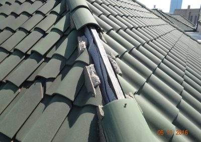 Analysis Of Damage To Green Curved Roof Tiles
